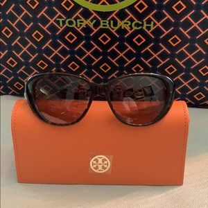 NWT Authentic Tory Burch Sunglasses